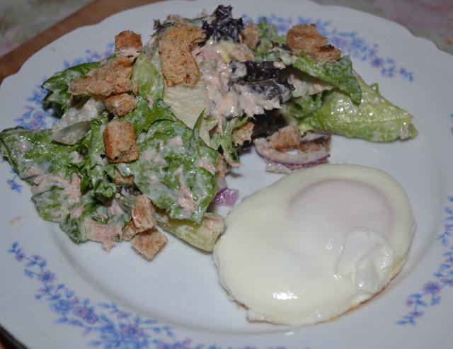 Salata rapidă cu ton şi iaurt