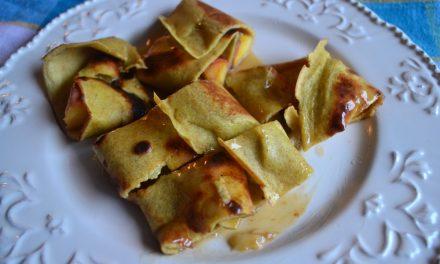Clătite din făină integrală cu fructe caramelizate şi dulceaţă de lapte