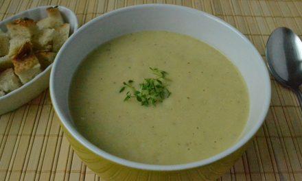 Supă cremă de praz şi cartofi cu cimbru