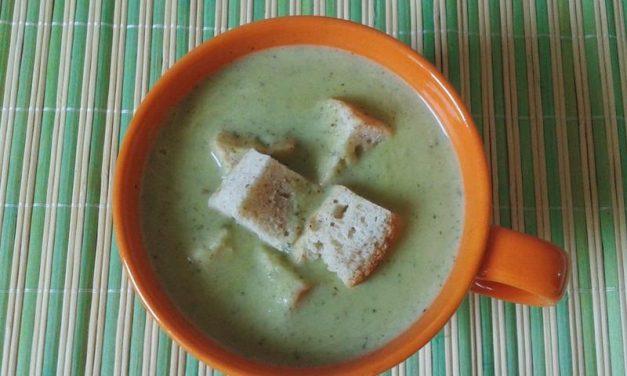 Supă cremă de dovlecei  cu mentă