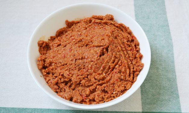Muhammara – pastă libaneză de ardei copt și nuci